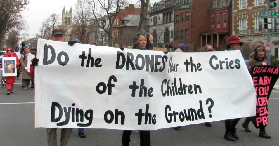 Anti-drone demonstrators march in 2013.  (Photo: Debra Sweet/flickr/cc)