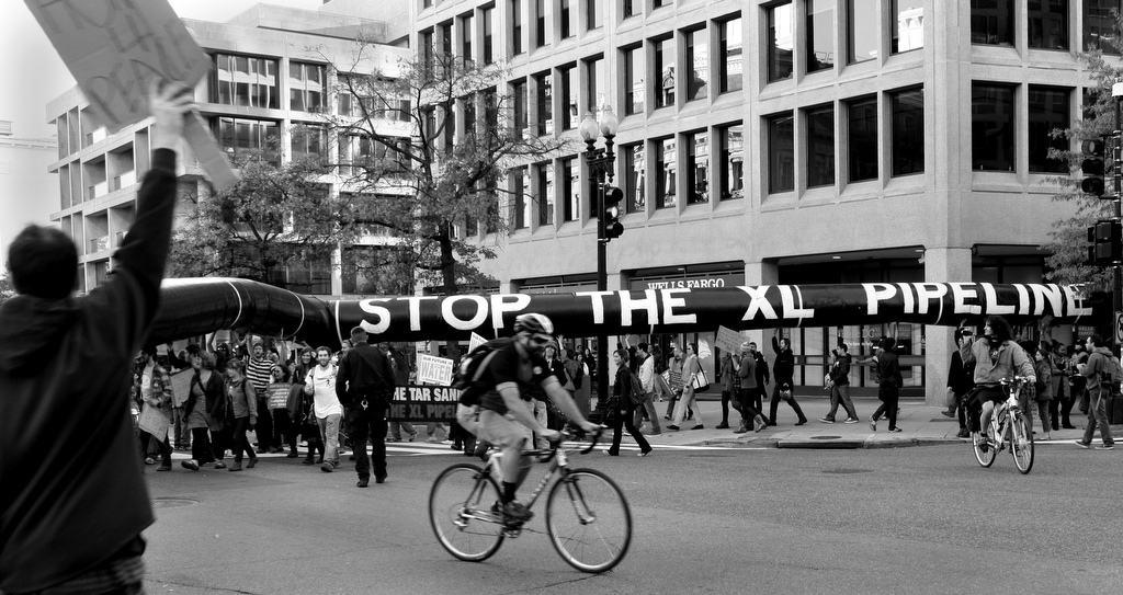 Keystone XL Pipeline Protest at White House. (photo: tarsandsaction flickr.cc)