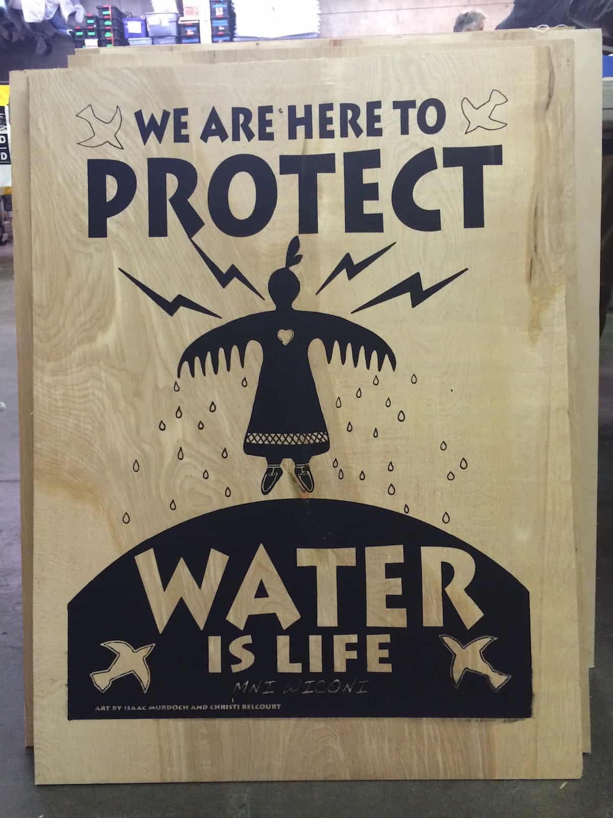 Dignidad Rebelde woodblock print at the Oakland Art Build for Standing Rock. (Photo: Nadya Tannous)