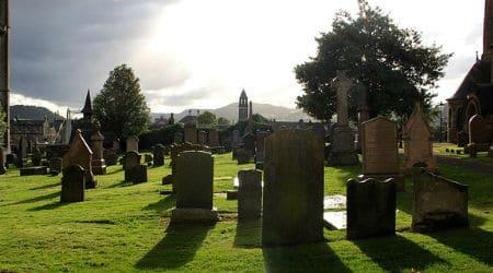 graveyard-981942_640